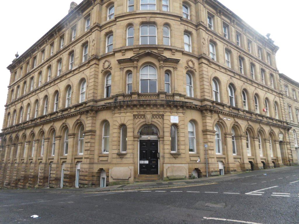 1 Bedroom Apartment Flat for sale in Howgate House, 3 Wellington Road, Dewsbury, West Yorkshire, WF13
