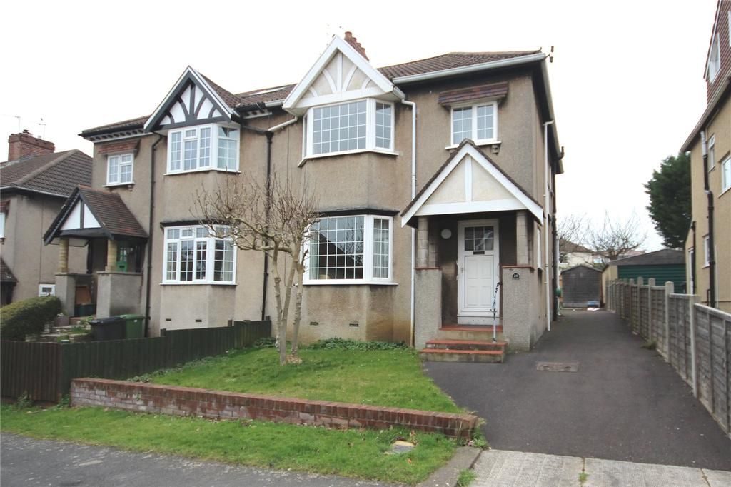 3 Bedrooms Semi Detached House for sale in Wellington Walk, Westbury-On-Trym, Bristol, BS10