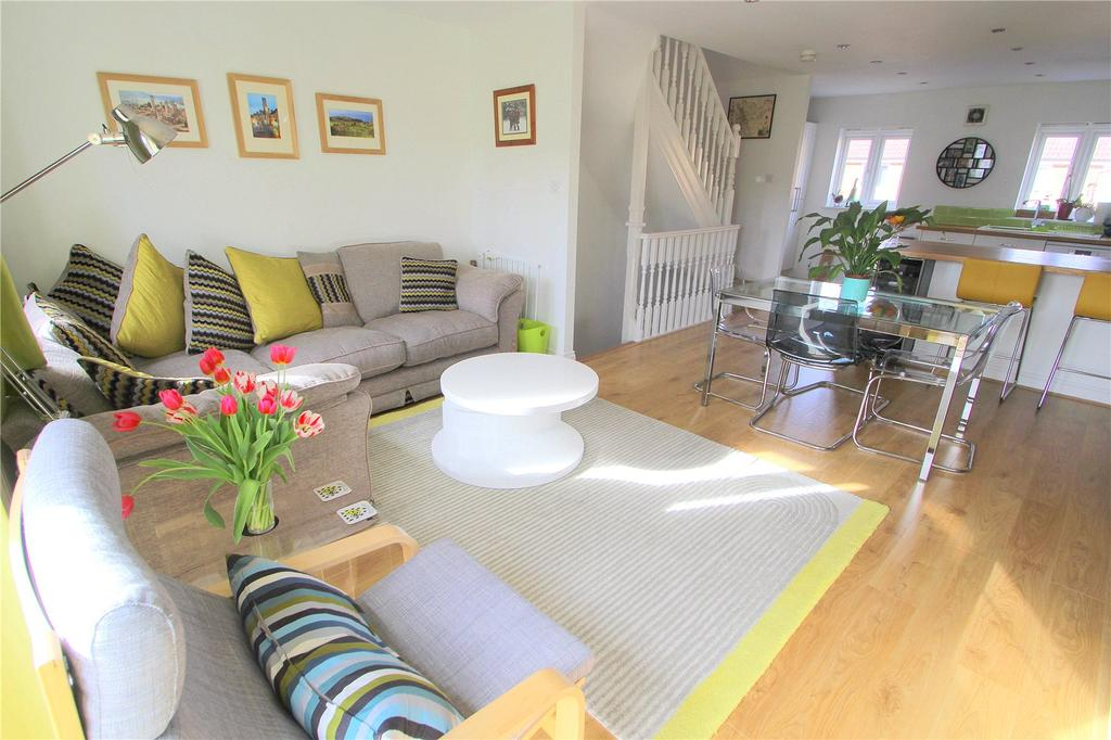 3 Bedrooms Terraced House for sale in Dickinsons Fields, Bedminster, Bristol, BS3
