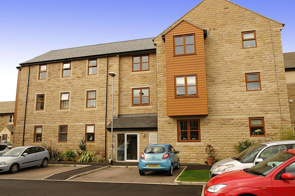 2 Bedrooms Apartment Flat for sale in Watersedge, Greenfield, Saddleworth
