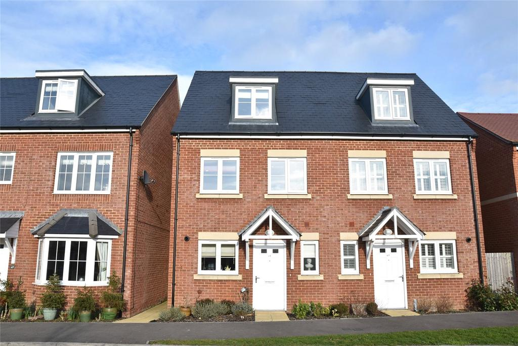 3 Bedrooms Semi Detached House for sale in Almswood Road, Tadley, Hampshire, RG26