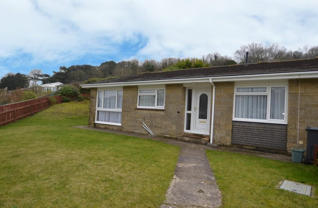 3 Bedrooms Terraced Bungalow for sale in Rew Close, Ventnor