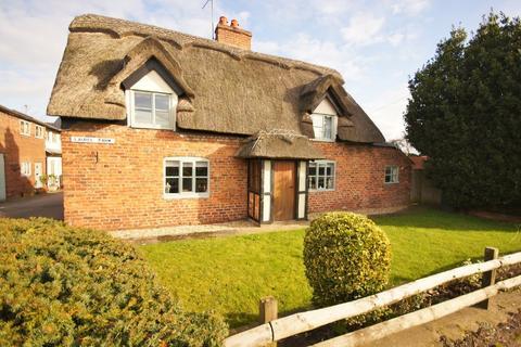 4 bedroom detached house to rent - Tarporley Road, Duddon