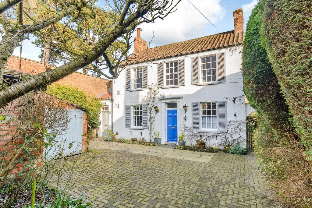 3 Bedrooms Detached House for sale in Sim Balk Lane, Bishopthorpe, York, YO23