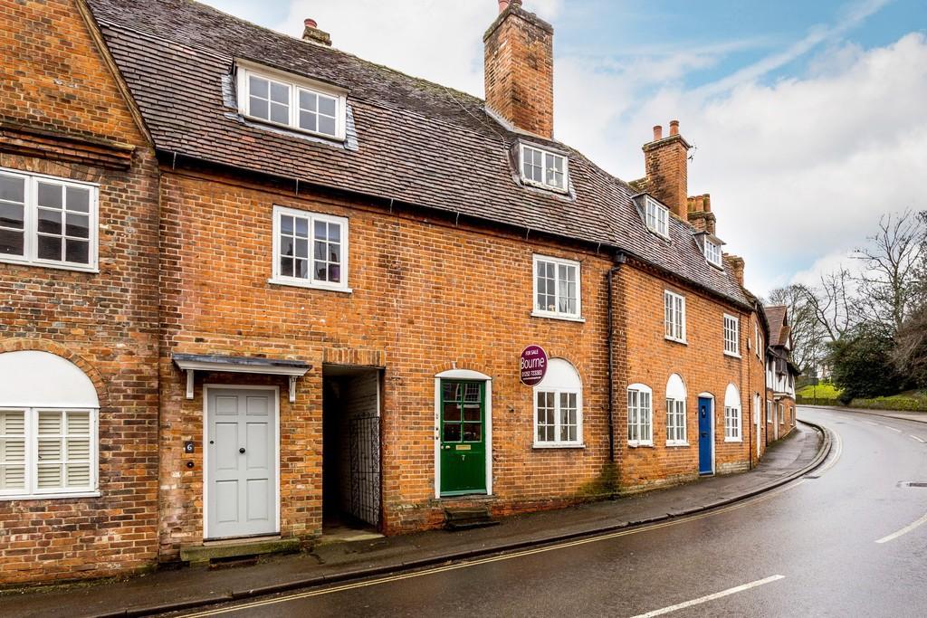 4 Bedrooms Terraced House for sale in Bridge Square, Farnham