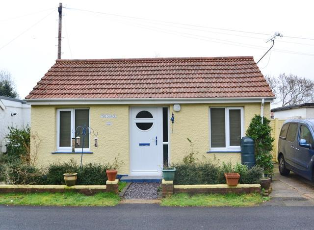 2 Bedrooms Detached Bungalow for sale in The Poplars, Ferring, West Sussex, BN12 5QL