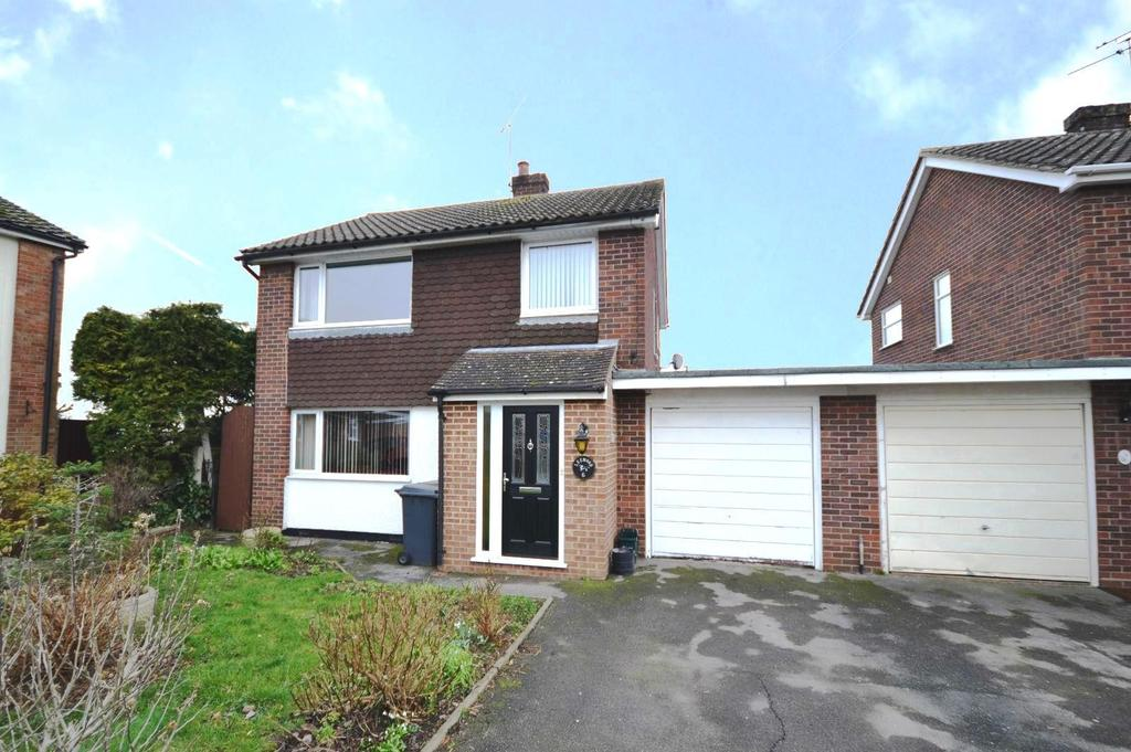 3 Bedrooms Detached House for sale in Daws Close, Writtle, Chelmsford, Essex, CM1