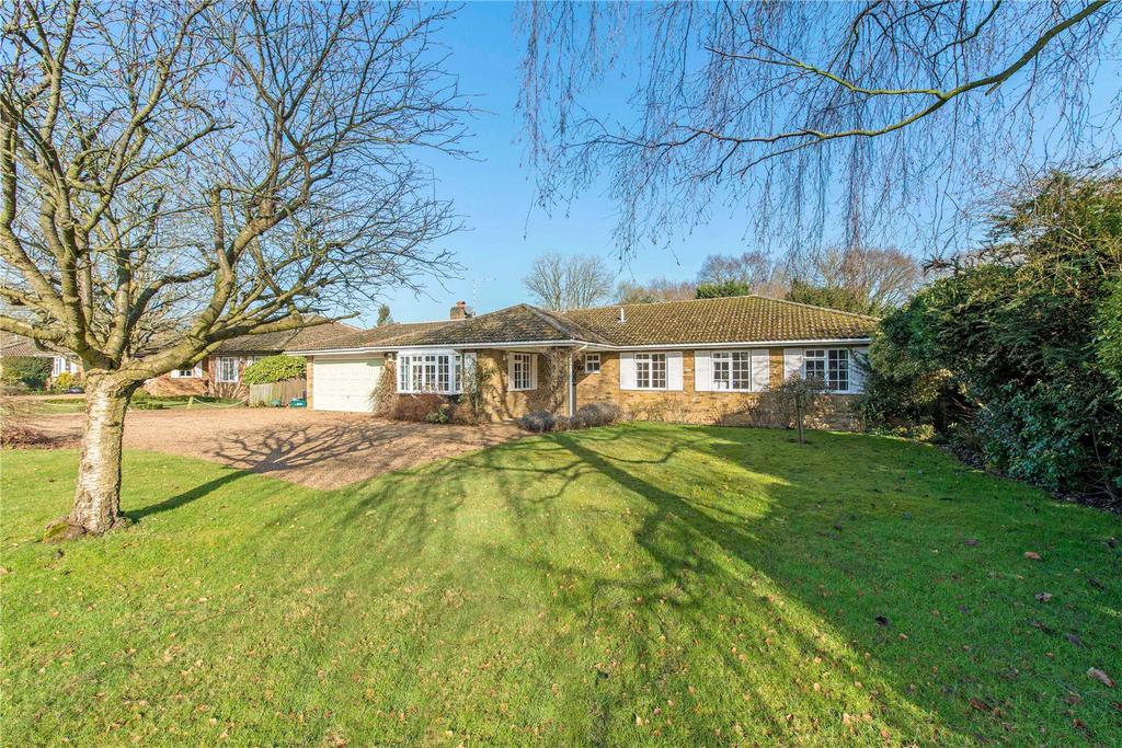 4 Bedrooms Detached Bungalow for sale in Caroon Drive, Sarratt, Rickmansworth, Hertfordshire, WD3