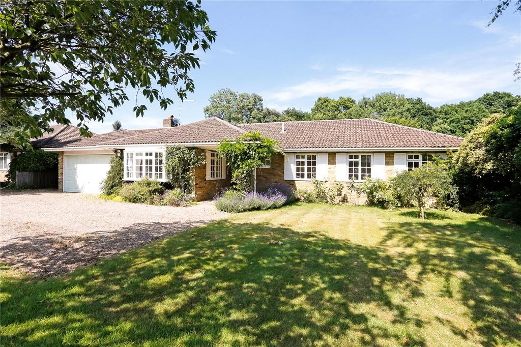 4 Bedrooms Detached Bungalow for sale in Caroon Drive, Sarratt, Rickmansworth, Hertfordshire, WD3