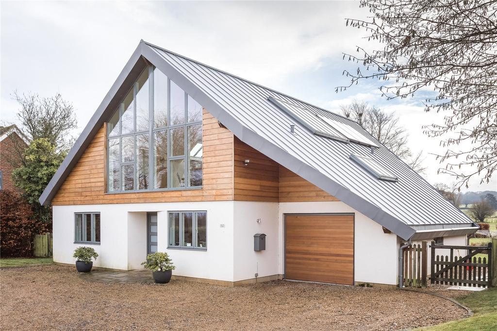 4 Bedrooms Detached House for sale in Gaston Lane, Upper Farringdon, Alton, Hampshire, GU34