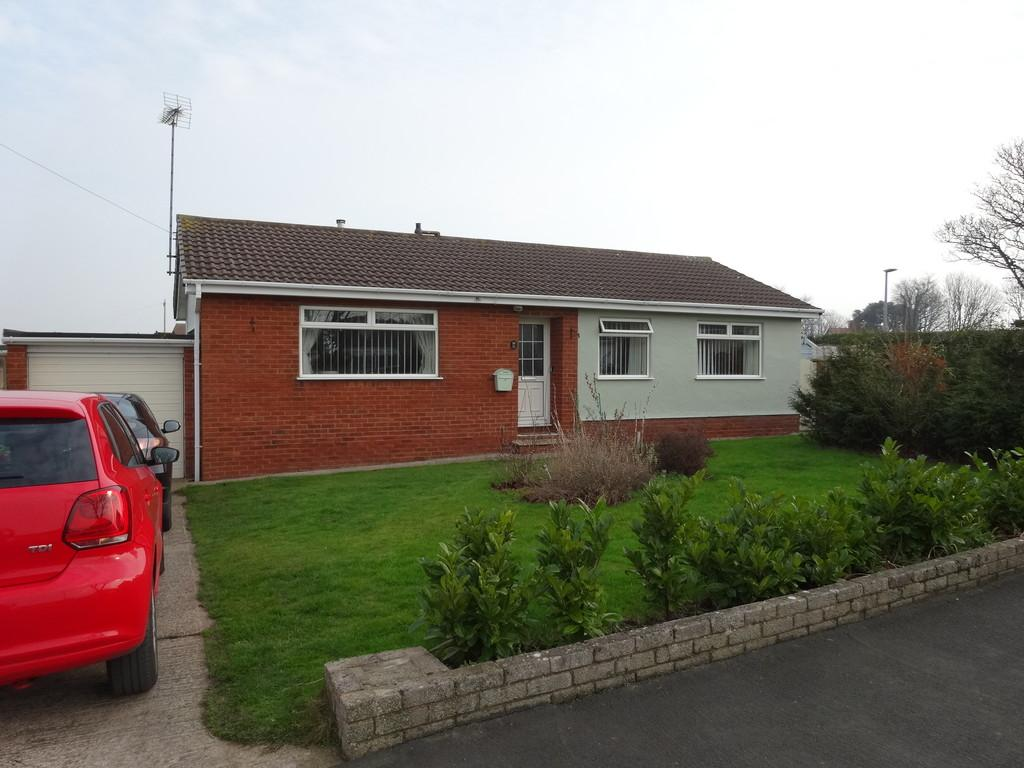 3 Bedrooms Detached Bungalow for sale in Cedar Avenue, Rhyl