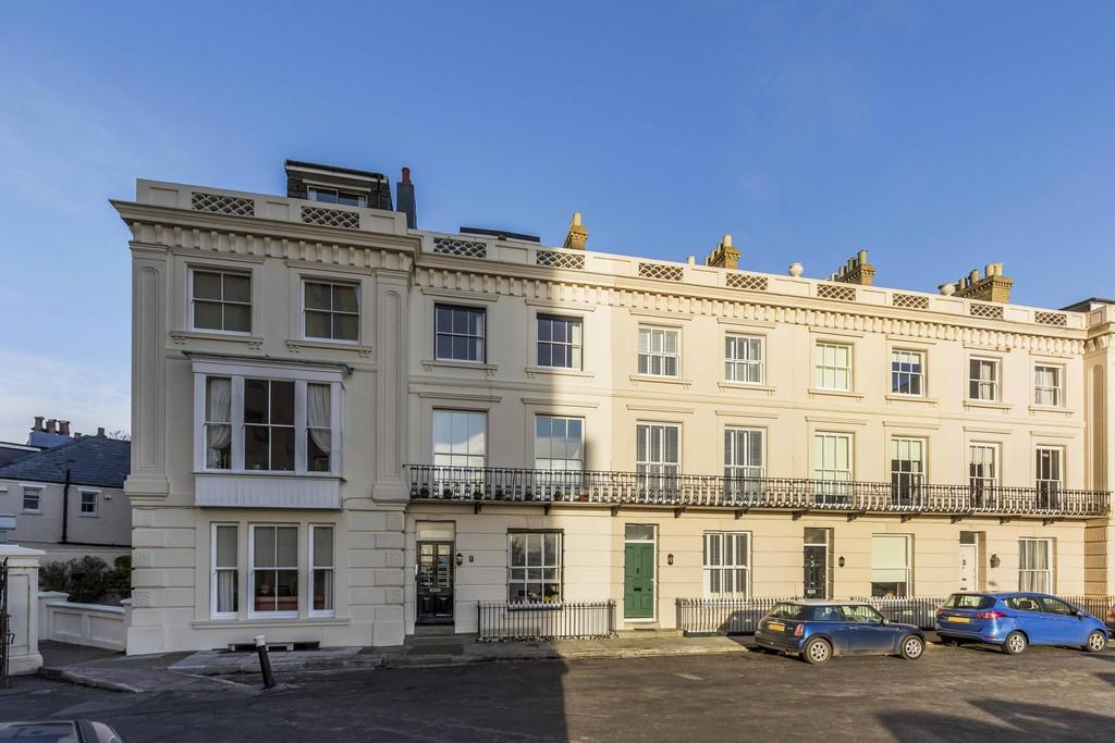 1 Bedroom Apartment Flat for sale in Clifton Terrace, Southsea