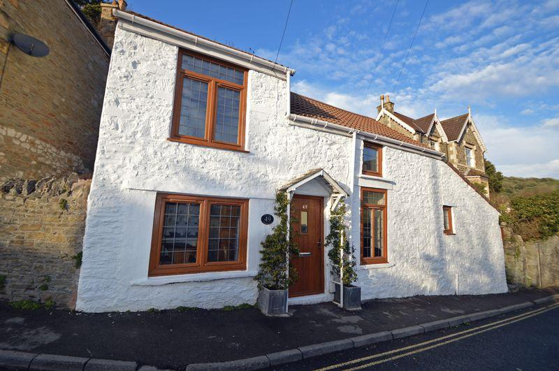 3 Bedrooms Detached House for sale in Close to woodland walks in Clevedon