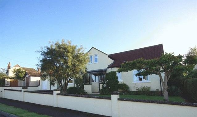 4 Bedrooms Detached House for sale in Ash Grove, Wells, Wells