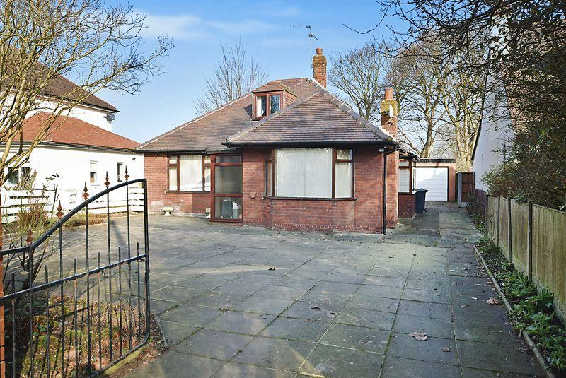 3 Bedrooms Bungalow for sale in Coroners Lane, Widnes