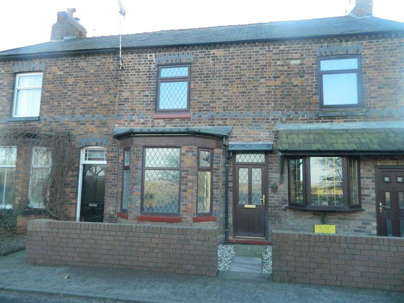 2 Bedrooms Terraced House for rent in Holmes Chapel Road, Crewe