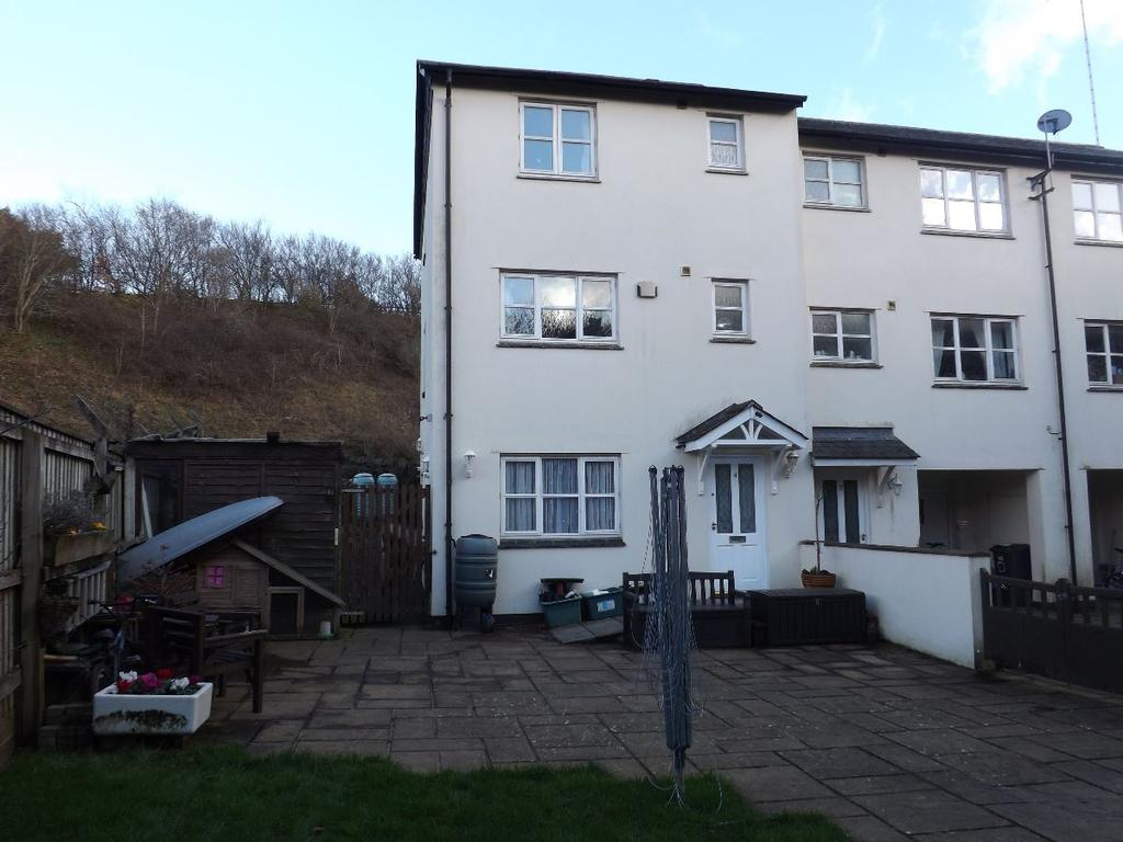 5 Bedrooms Semi Detached House for sale in Buckfastleigh