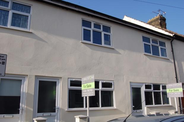 3 Bedrooms Terraced House for sale in Victoria Street, Gillingham, ME7