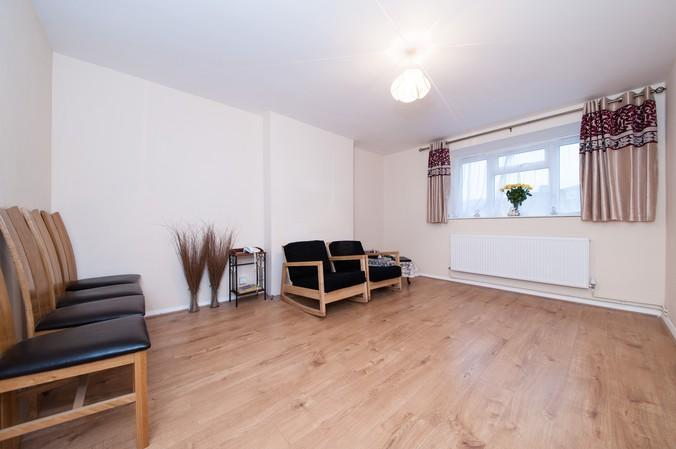 2 Bedrooms Flat for sale in Church Path, Chiswick