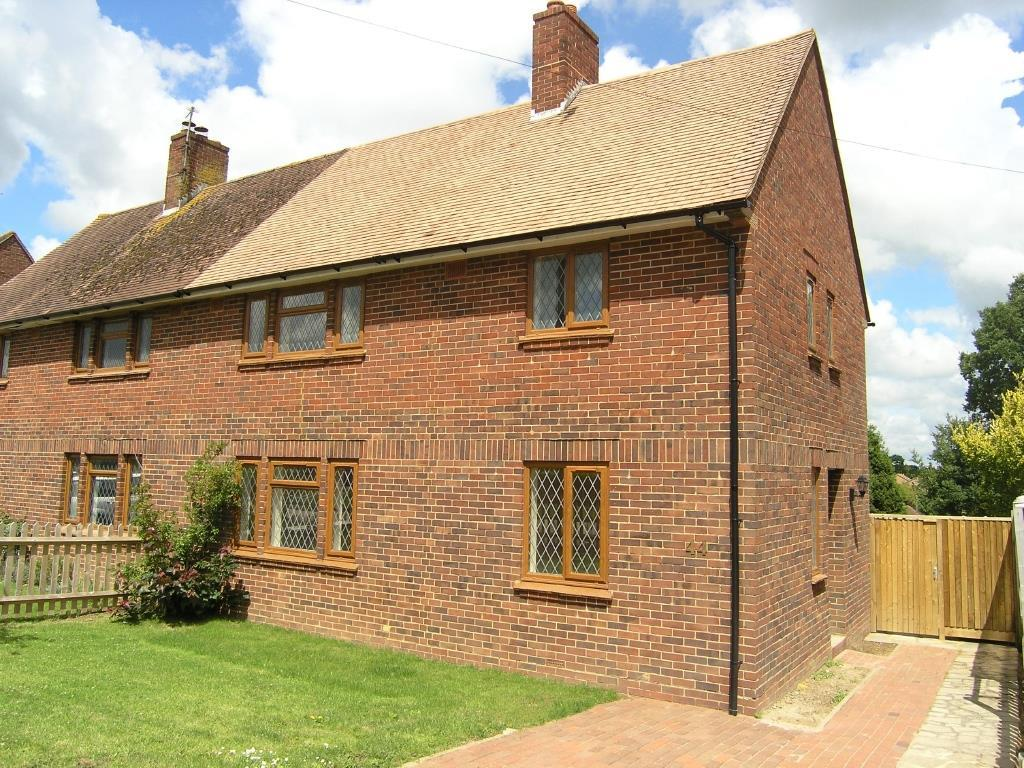 3 Bedrooms Semi Detached House for sale in Wantley Hill, Henfield