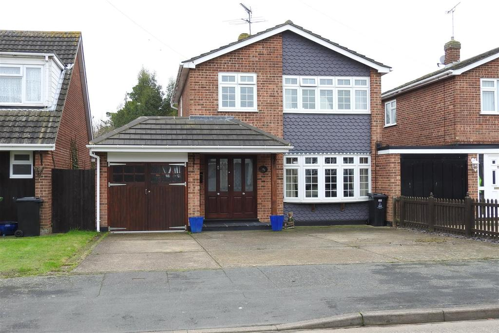 3 Bedrooms Link Detached House for sale in Bramley Way, Mayland