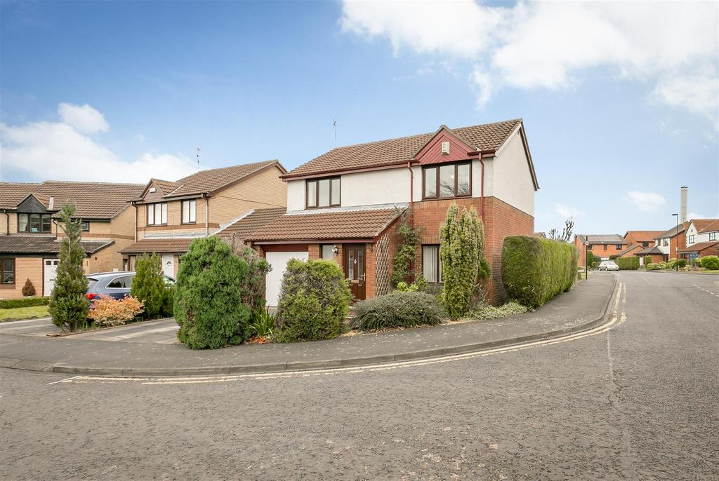 3 Bedrooms Detached House for sale in Daylesford Drive, South Gosforth, Newcastle upon Tyne