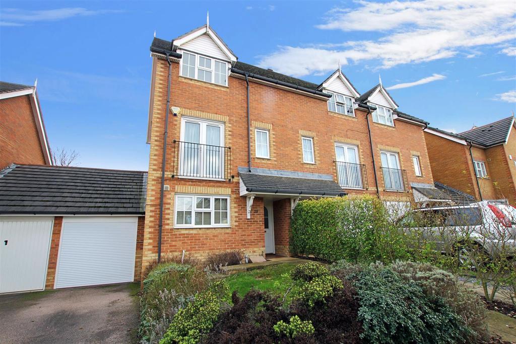 3 Bedrooms End Of Terrace House for sale in Woolbrook Road, Braeburn Park, Crayford