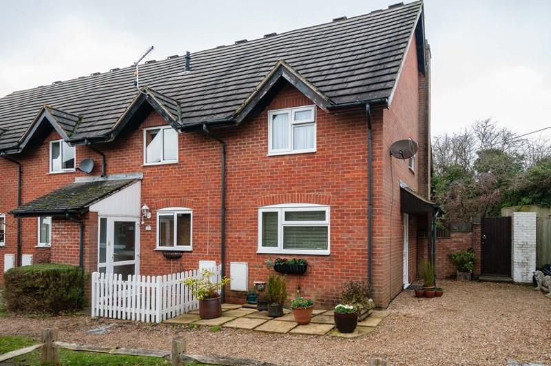 2 Bedrooms End Of Terrace House for sale in Pipers Field, Ridgewood, Uckfield