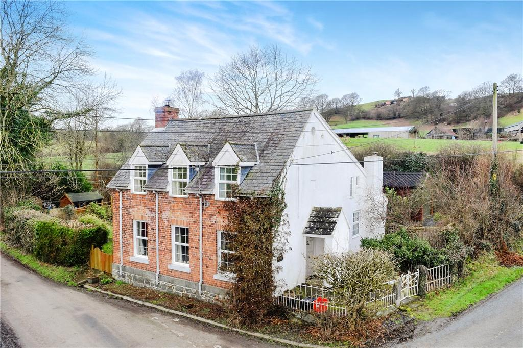 4 Bedrooms Detached House for sale in Maes Gwyn, Guilsfield, Welshpool, Powys
