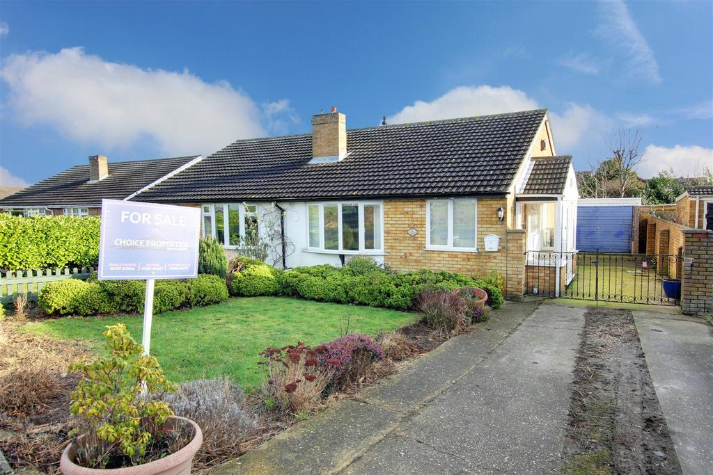 2 Bedrooms Semi Detached Bungalow for sale in 155 Golf Road, Mablethorpe
