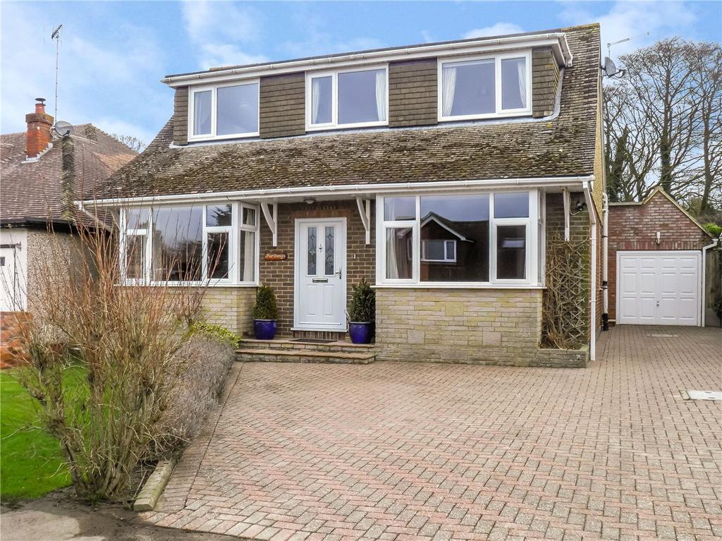 4 Bedrooms Detached House for sale in Holywell Road, Studham, Bedfordshire