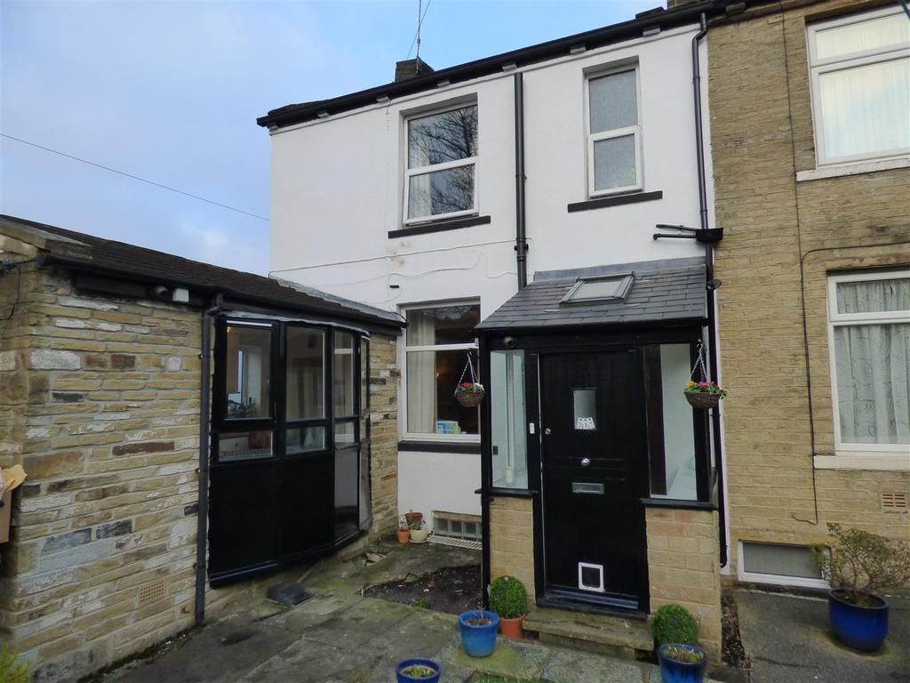 2 Bedrooms End Of Terrace House for sale in Highfield Road, Idle, Bradford, BD10 8QT
