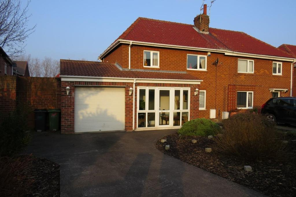 3 Bedrooms Semi Detached House for sale in Haweswater Crescent, Newbiggin-By-The-Sea