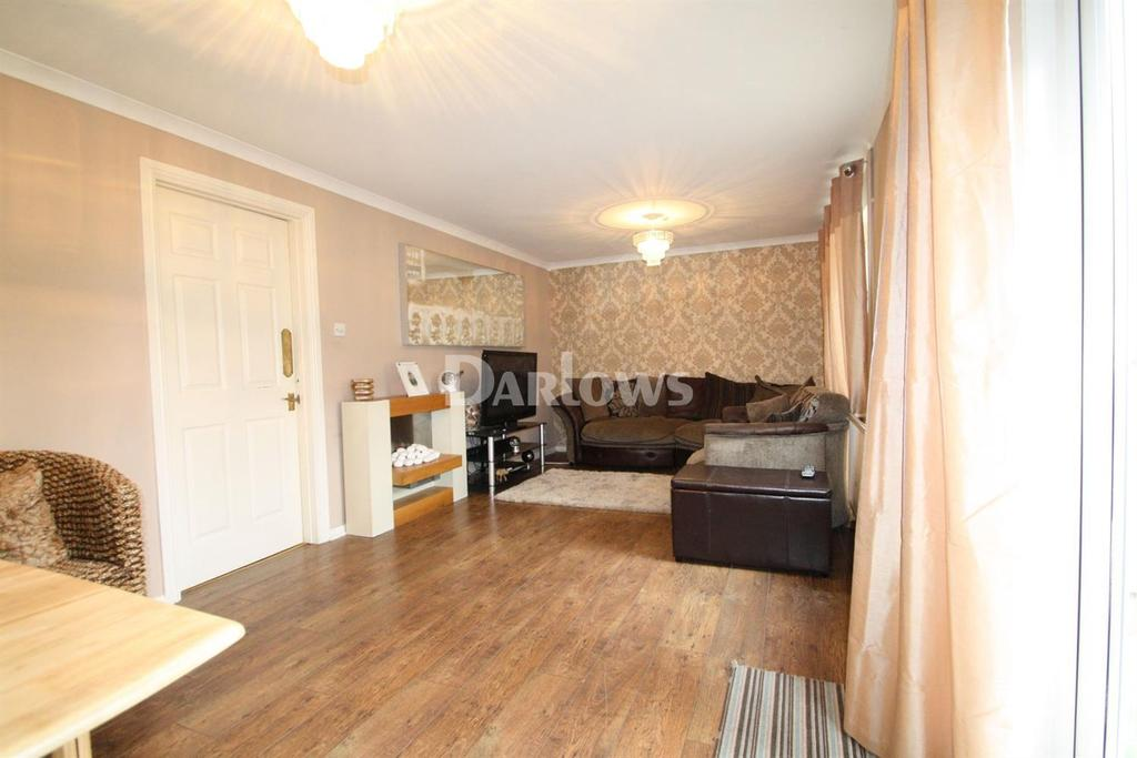 3 Bedrooms End Of Terrace House for sale in Beaumont Close, Nantyglo, Blaenau Gwent