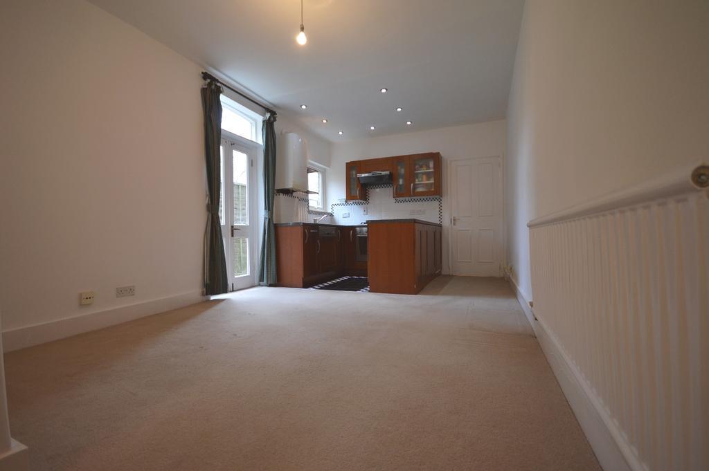 2 Bedrooms Flat for sale in Farley Road London SE6