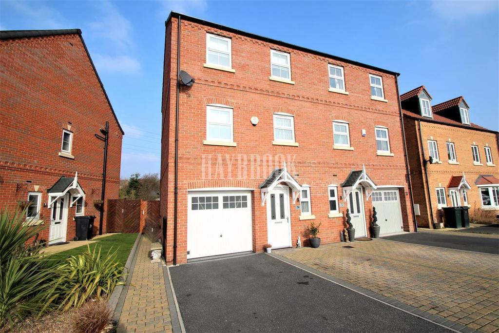 4 Bedrooms Semi Detached House for sale in Skylark View, Wath upon Dearne