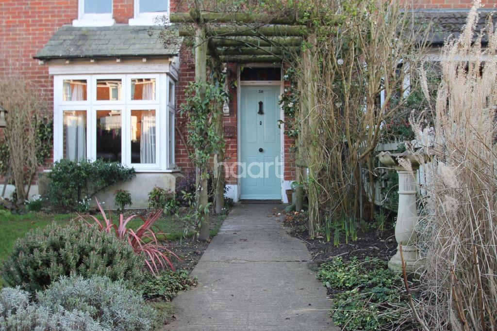 3 Bedrooms Terraced House for sale in Osborne Road, Petersfield