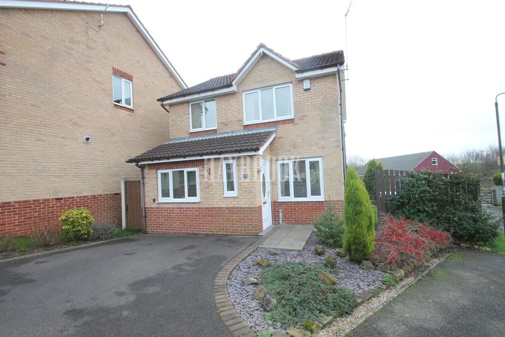 3 Bedrooms Detached House for sale in Greenside Close, Clowne