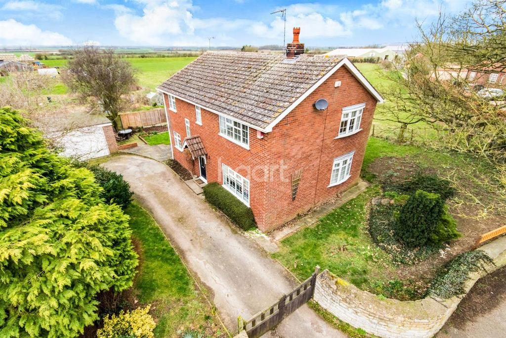 3 Bedrooms Detached House for sale in Castle Hill, Welbourn, Lincoln, LN5