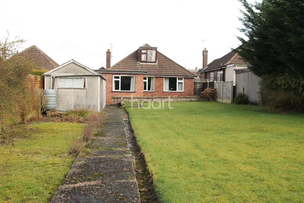 3 Bedrooms Bungalow for sale in Hunt Lea Avenue, Grantham