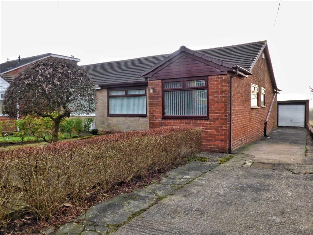 3 Bedrooms Semi Detached Bungalow for sale in Beaufont Drive, Roundthorn, Oldham, OL4