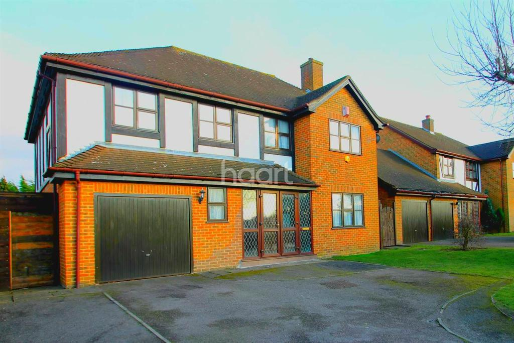 4 Bedrooms Detached House for sale in Court Farm Road, London, SE9