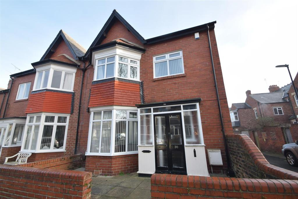 3 Bedrooms Semi Detached House for sale in Bideford Gardens, Whitley Bay