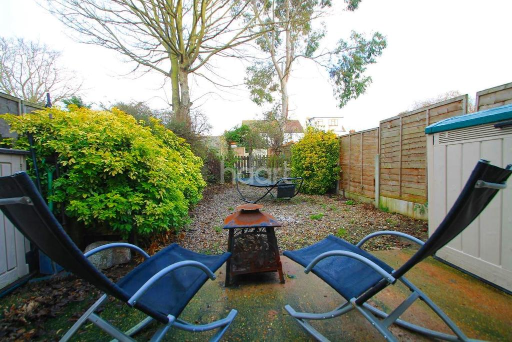 4 Bedrooms Terraced House for sale in South Avenue, Southend-On-Sea
