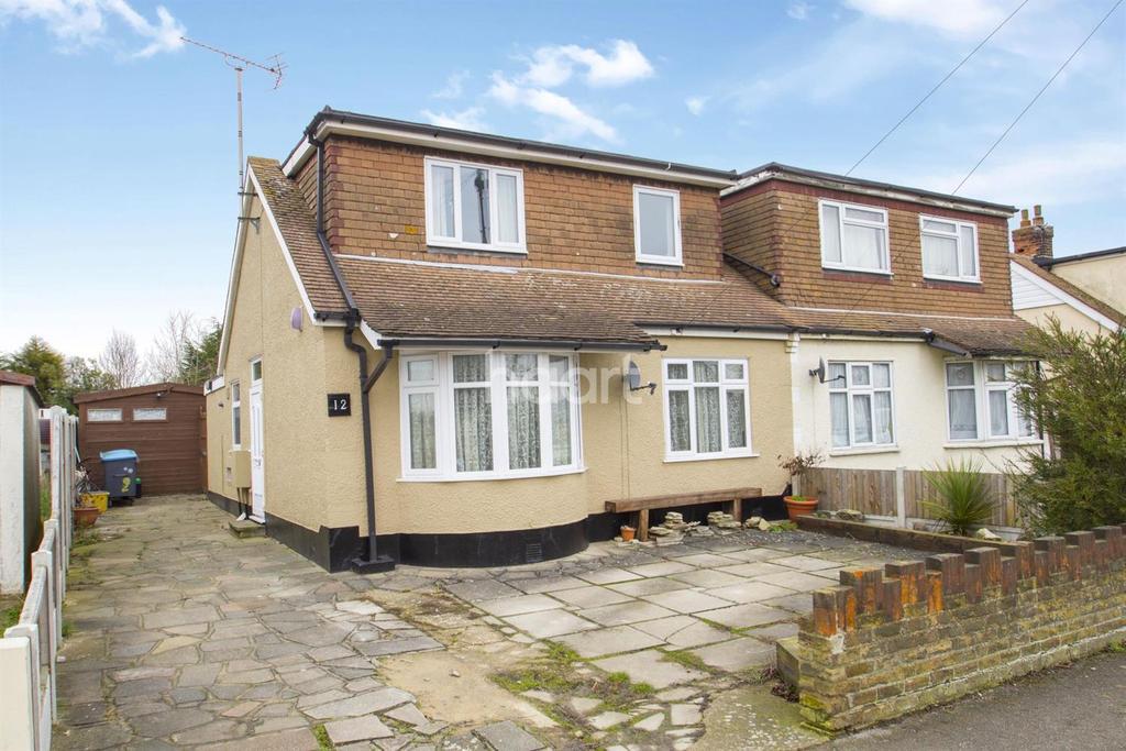 3 Bedrooms Semi Detached House for sale in Loten Road, South Benfleet