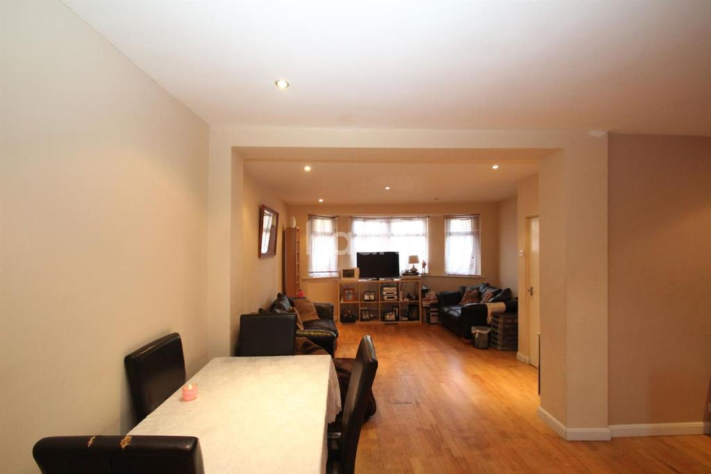 4 Bedrooms End Of Terrace House for sale in Pretoria Road, Canning Town