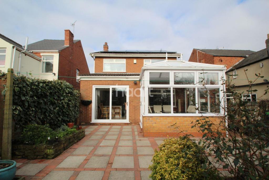 3 Bedrooms Detached House for sale in Garden Road, Hucknall