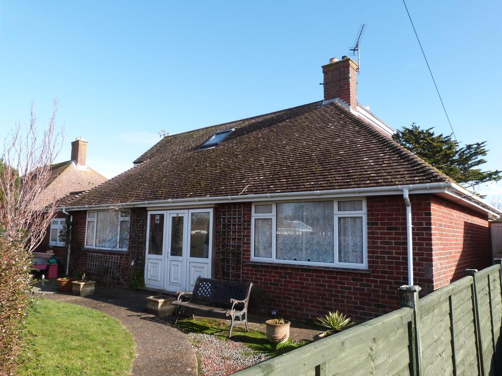3 Bedrooms Detached Bungalow for sale in Longacre, Selsey
