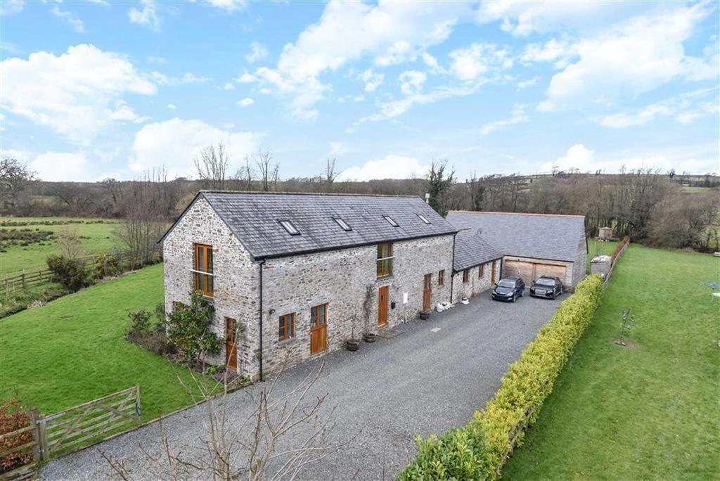 4 Bedrooms Detached House for sale in Underwood Farm, Launceston, Cornwall, PL15