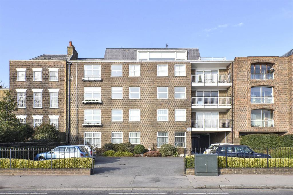 1 Bedroom Flat for sale in St. Aubyns, 61 Snaresbrook Road, London, E11